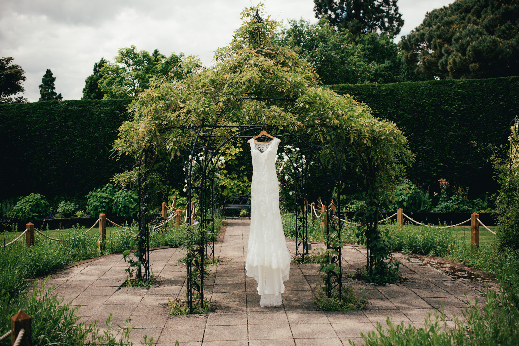 Gaynes Park Wedding Photographer-2-2
